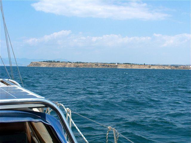 Kaap Touria; Links op de horizon zie je al een stukje van Thessaloniki