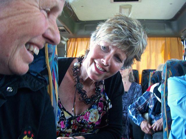 Onderonsje in de bus