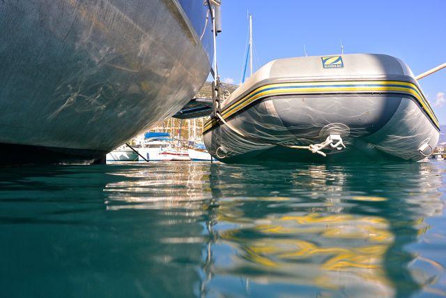 Fotootje op laag niveau, bootje om achter te verschuilen