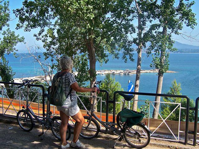 Hier staan we aan de Ionische Zee kant