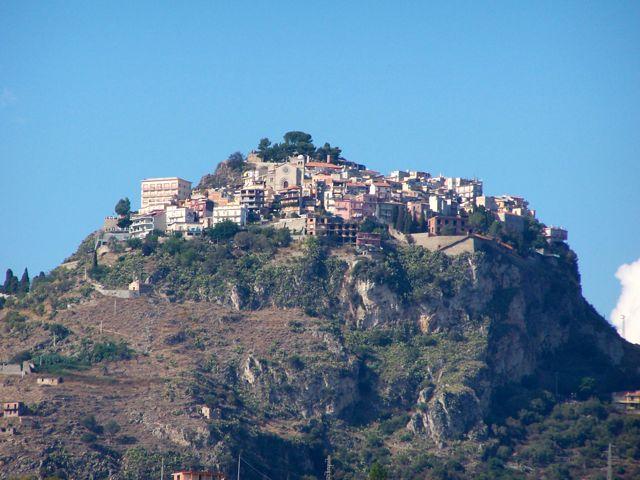 Het bergdorpje boven Taormina