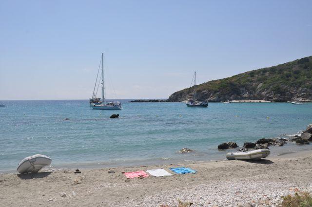 Onze bootjes op het strand