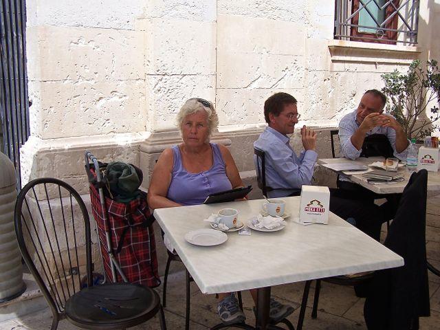 Op het terras van Grande Caffe del Duomo