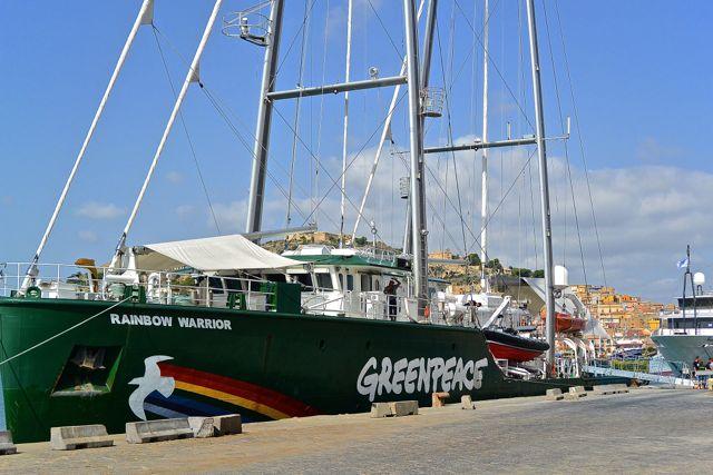 Greenpeace, het staat er op