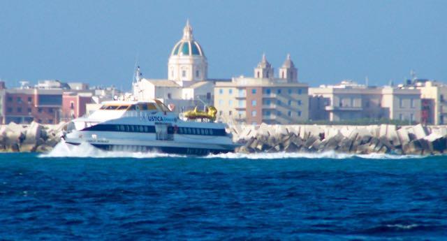 Af en aan varende ferry's