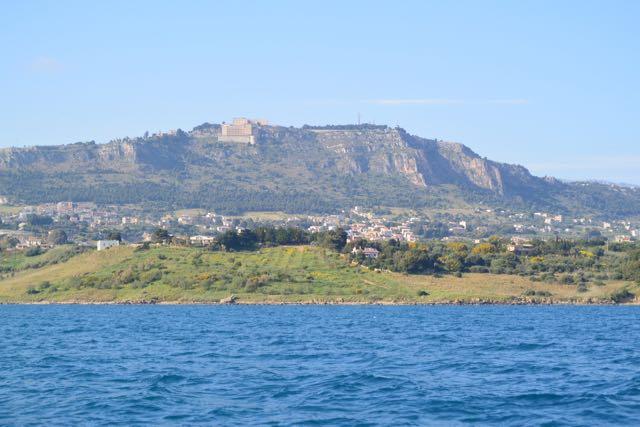De baai ten oosten van Sciacca