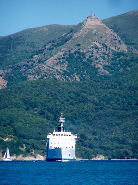 Daar komt weer een ferry