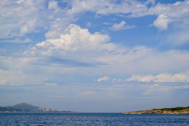 Mooie luchten in de buurt van Cala di Volpe