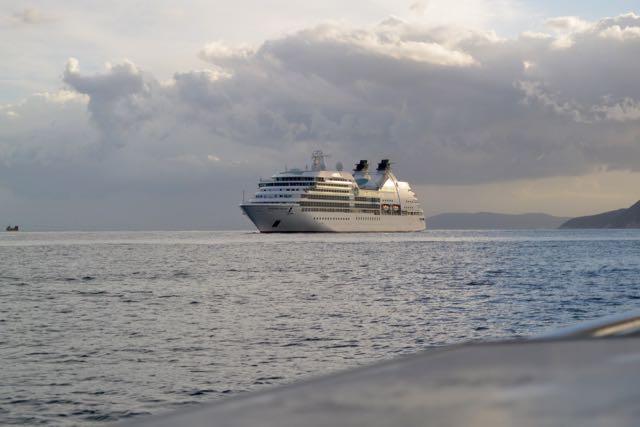 Cruiseschip komt binnen