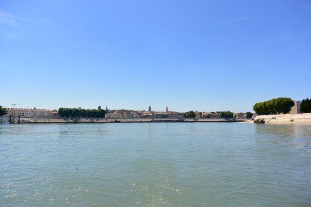 Dag, Arles