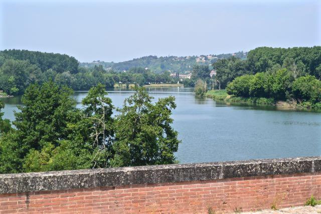 We varen boven de Garonne