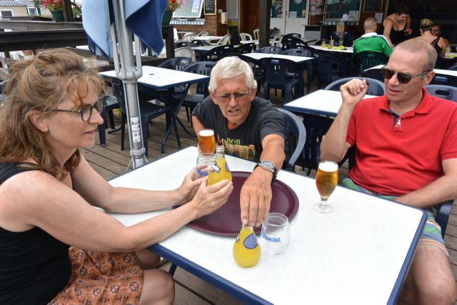 Biertje en een Oranginaatje
