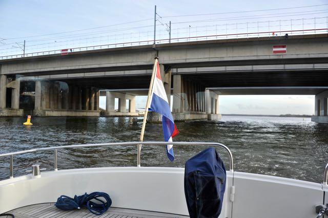 We zijn de Hollandse brug gepasseerd
