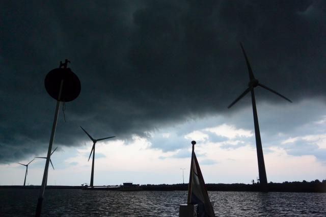 donkere wolken krabbersgat.jpg